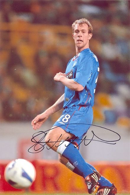 Steven Whittaker, Rangers & Scotland, signed 12x8 inch photo.